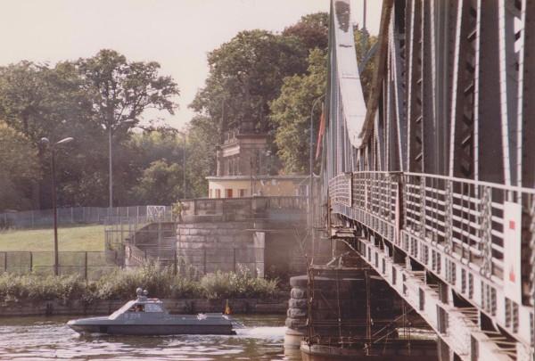 Glienicke Brücke, Berlin (Foto: Mark Reeder)