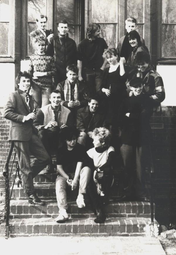 Die Toten Hosen, Erlöser Kirche, Berlin, 1983 (Photo: Mark Reeder)