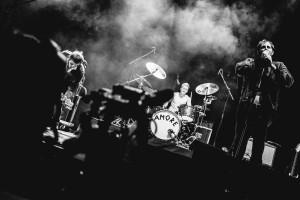 """Schlagzeug spielt Lukas Hasitschka, genannt - natürlich - """"Hasi"""", Wanda (Foto: Robin Hinsch)"""
