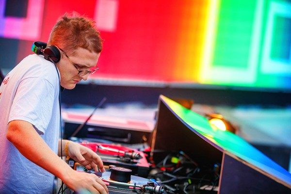 Floating Points Photo Bart Heemskerk)