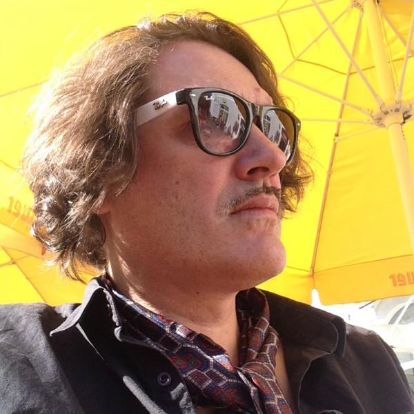 Spilker und Sonnenschirm.