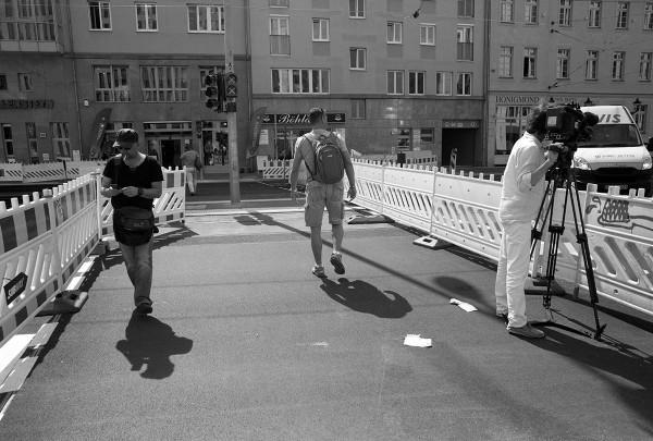 In Berlin sind Baustellen Attraktionen und es wird auch regelmäßig im Fernsehen darüber berichtet.
